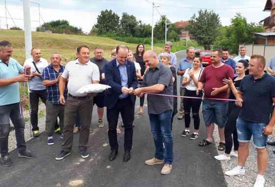 Svečano otvorena asfaltirana cesta u Dišniku